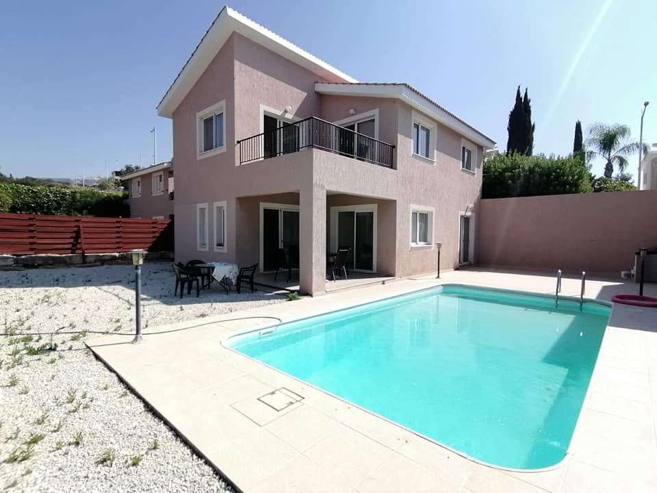 Villa LAZARI
