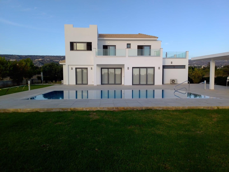 Villa AARON